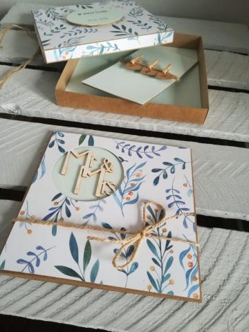 Kartka na ślub razem z pudełkiem