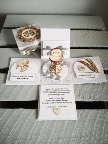 pudełko kartka z okazji pierwszej komunii świętej