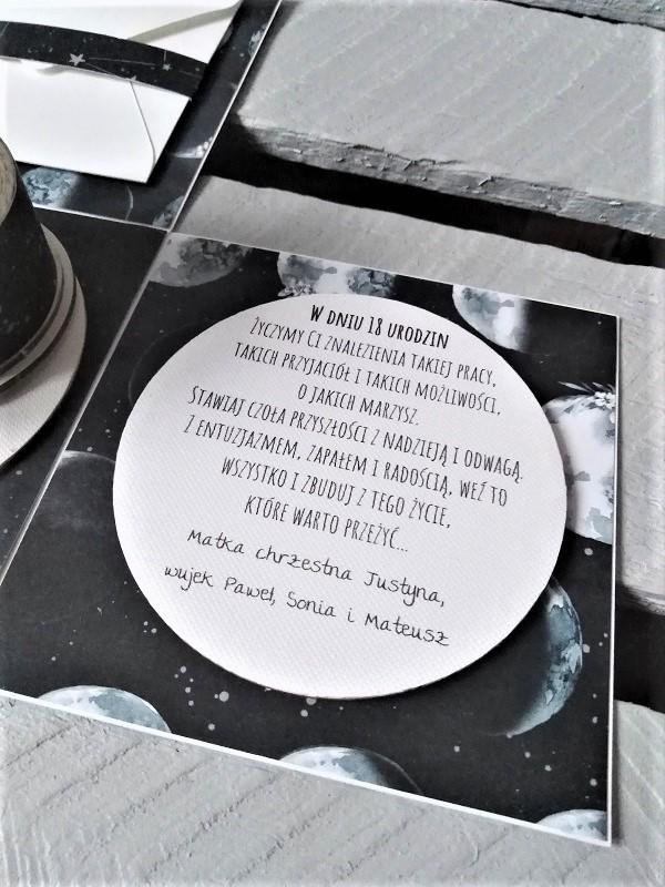 pudełeczko na osiemnaste urodziny dla chrześniaka